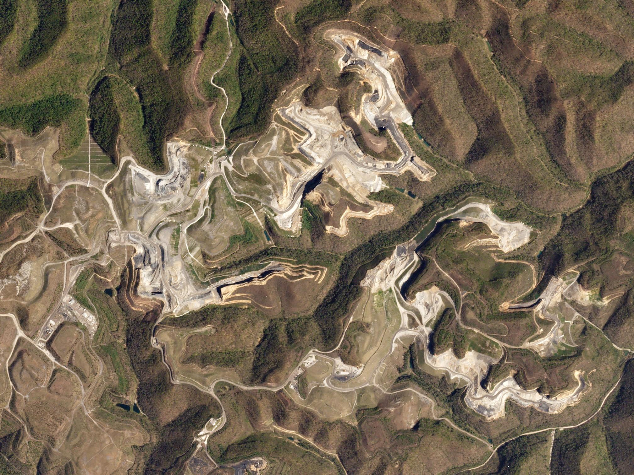 coal-mines-20160609-full.jpg